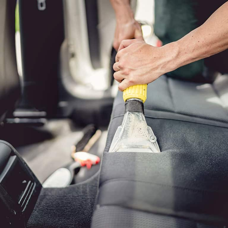 //www.diamondsteamcleaning.com.au/wp-content/uploads/2018/10/car-cleaning-diamon-cleaning-melbourne.jpg